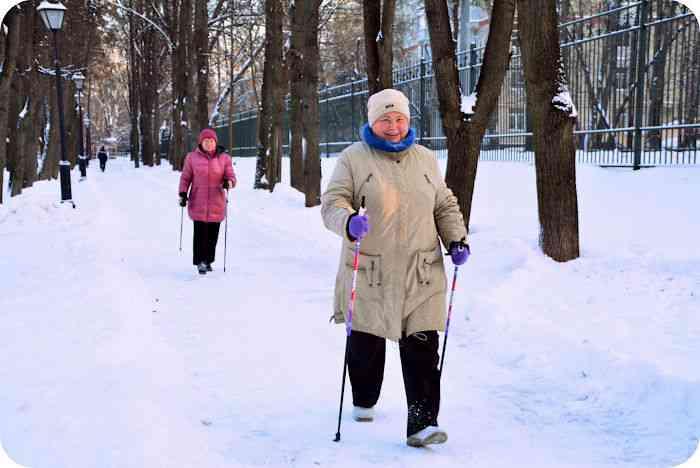 Скандинавская ходьба для поддержания здоровья!